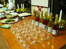 christmasparty23dec2014fakechampagne.jpg
